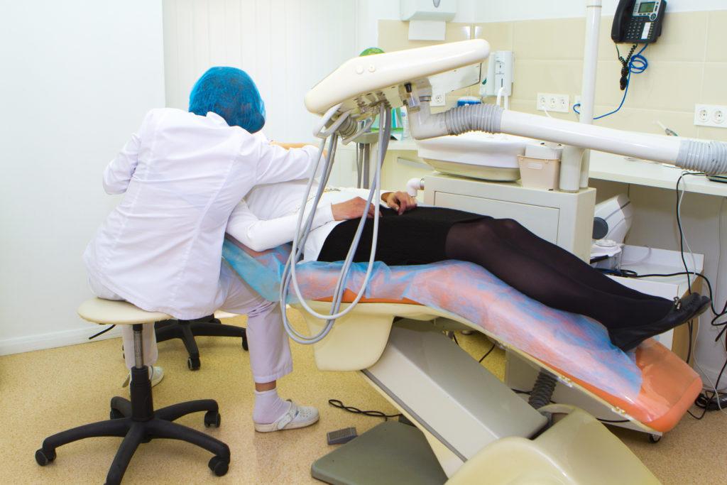 nagruzki na pozvonochnik pri rabote stomatolog