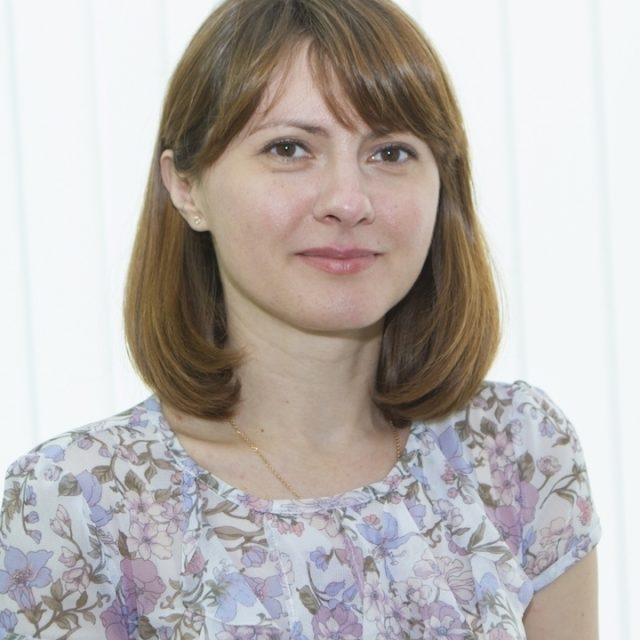 Олена Колчанова