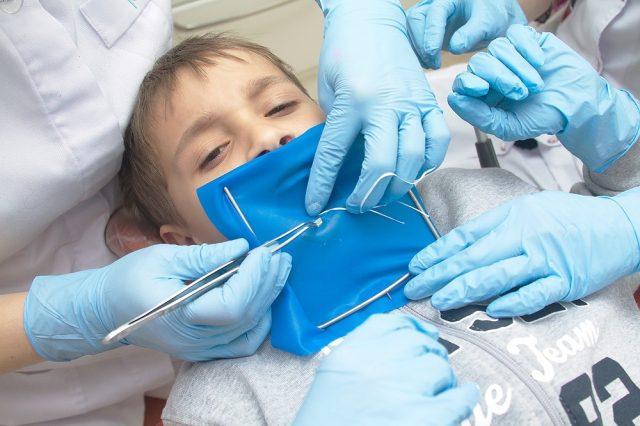 Анестезия, установка кофердама