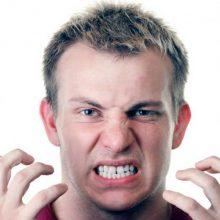 Что такое бруксизм, и чем он может навредить человеку?